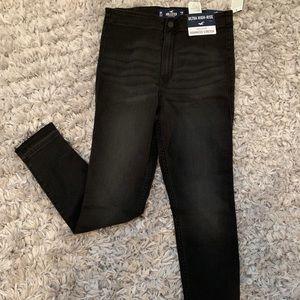 Black Hollister Ultra High Rise Jeans